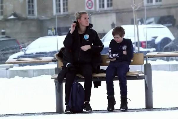 寒さで震えている少年がいたら、あなたならどうしますか?
