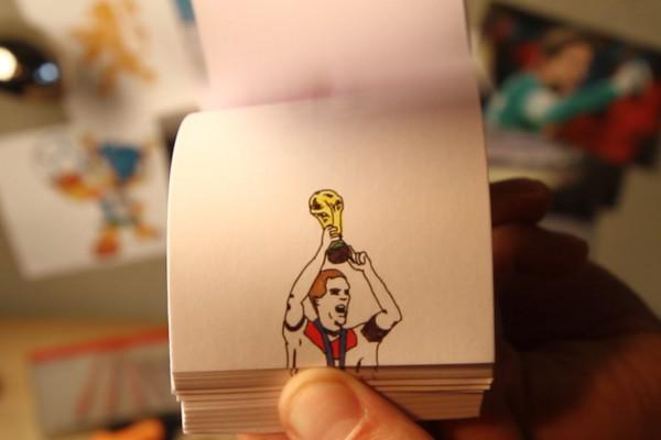 力作!2014年ブラジルW杯のベストゴールをパラパラ漫画で