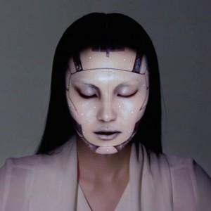 テクノロジーの進歩に震撼する!顔面プロジェクションマッピングがスゴすぎ