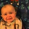 感受性の高さに思わずもらい泣き!ママの歌声に感極まって涙する赤ちゃん