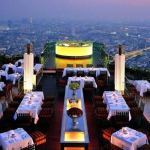 【息をのむほどの美しさ】一度は行ってみたい世界の絶景レストラン20選