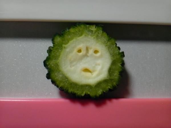 変な顔の切り口野菜