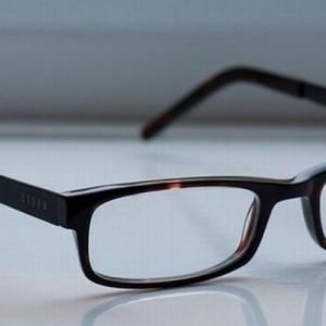 【外しているのに指で、クイッ】眼鏡を掛けている人にしかわからない12のこと