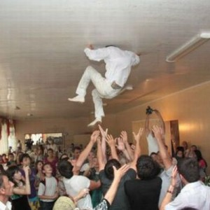 【ハプニングしか覚えてない】「時間よ戻って、マジで!」な結婚式の画像9選