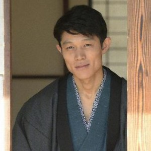 【役作りのために】俳優・鈴木亮平の俳優魂が「半端じゃない」と話題に(画像)