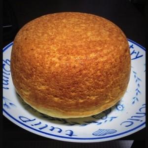 【成功すればウマいらしい】炊飯器でホットケーキを作ったらデカすぎた(9枚)