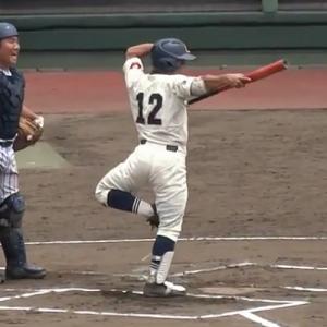 バットぶん回しすぎ!(笑)代打で出てきた高校球児のパフォーマンスが凄いと話題に