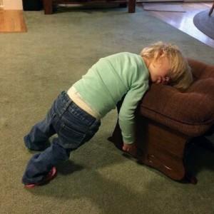 【秘技】子供は本気出したらどこでも寝れるんだぞっていう10の証拠