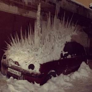 【こんな車を見たら即逃げる】寒さで凍ってスゴイことになってた&なった(8選)