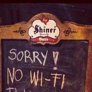 「悪い、Wi-Fiないんだ」イギリスのパブの看板に書いてあった、その理由・姿勢がカッコいい
