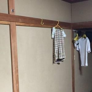 「なんで女の子の服が俺らの部屋に…?」一瞬何が起こっているかわからなかったコト8選