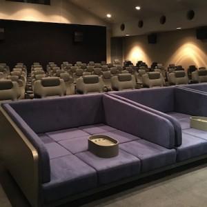「こういうのを待っていた…!」新所沢にオープンした夢のような映画館が始まりすぎている!