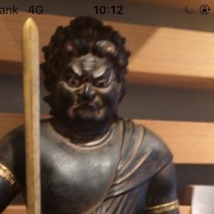カメラを向けると被写体の名称を教えてくれる!→仏像を写してみると…(笑)
