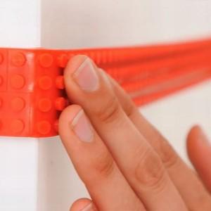 これは革命的!レゴブロックをテープ状にした「切れる・曲がる・貼れる」レゴテープが超楽しそう!