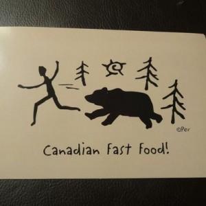 デザインはすごく良い!(笑)カナダで買ったお土産「クマに襲われるシリーズ」が刺激的4枚