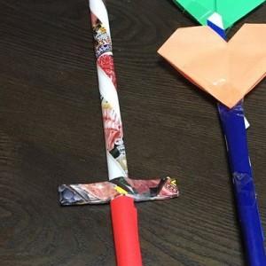 幼稚園児の「戦いごっこ」の話を聞いていたら…ひたすら武器を作る武器職人の男の子が渋かった!