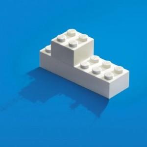 これ以上ない表現力。レゴブロックを使ったポスターに注目集まる「これは秀逸だわ」4枚