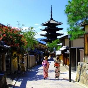 【恐ろしい街だッ…!】京都で「可愛らしおすなあ。お人形さんか思いましたわ」と言われたら