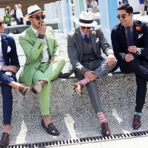 イタリア男たちのスーツの着こなしが日本人とケタ違い→「なんでこんなにカッコいいんだ」4枚