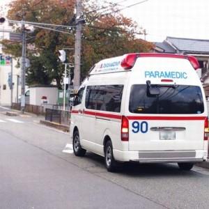 お願いだから邪魔しないで!ゆっくりと走っている救急車には理由があるという話