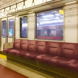 電車でおばあちゃんに席を譲ったとき!「年寄り扱いしないで」に対する返答がスマートだった