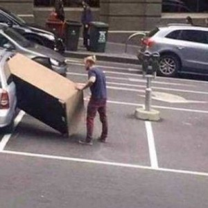 そうなる前に気付けよ!!(笑)なぜ無理だと思わなかった…「車に荷物」14枚