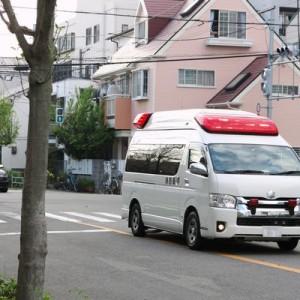 これ、全く知らなかった!普段救急車は座席に運転手と隊長が2人乗っているけど1人だけの時は…