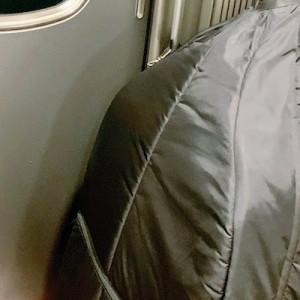 コントラバスを抱えて新幹線へ!「今日の車掌さんがこんな素敵なメモをくれて僕は恋に落ちました」