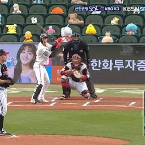 韓国のプロ野球、無観客試合を寂しくしない為に→客席に置かれた「ぬいぐるみ」が!その後…(笑)