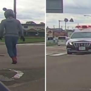 路上に落下物を発見、拾いに行ったら警察パトカーが?「まさかの神アシストしてくれた」